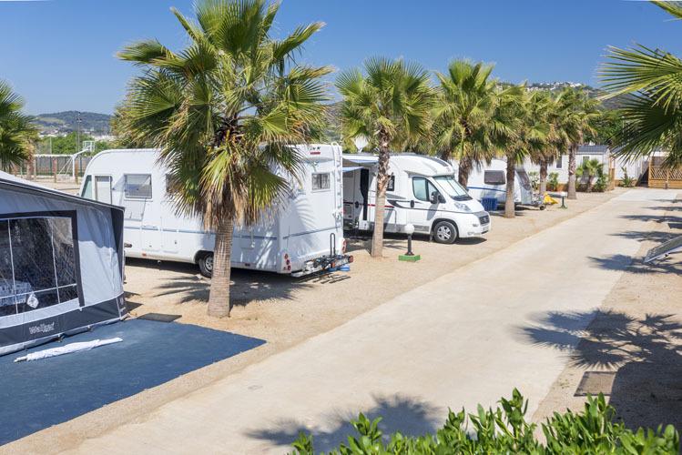 (c) Camping Enmar
