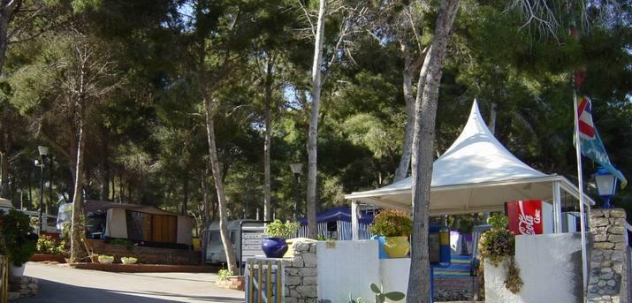(c) Camping Moraira