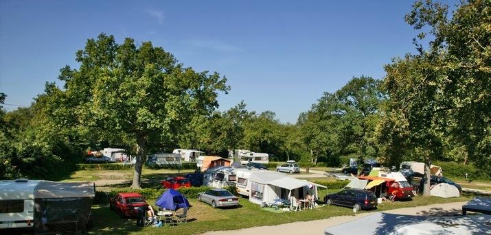 (c) Dreiländer-Camping-und Freizeitpark Gugel